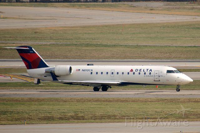 Canadair Regional Jet CRJ-100 (N810CA)