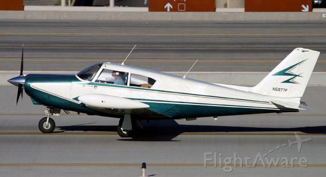 Piper PA-24 Comanche (N5977P)