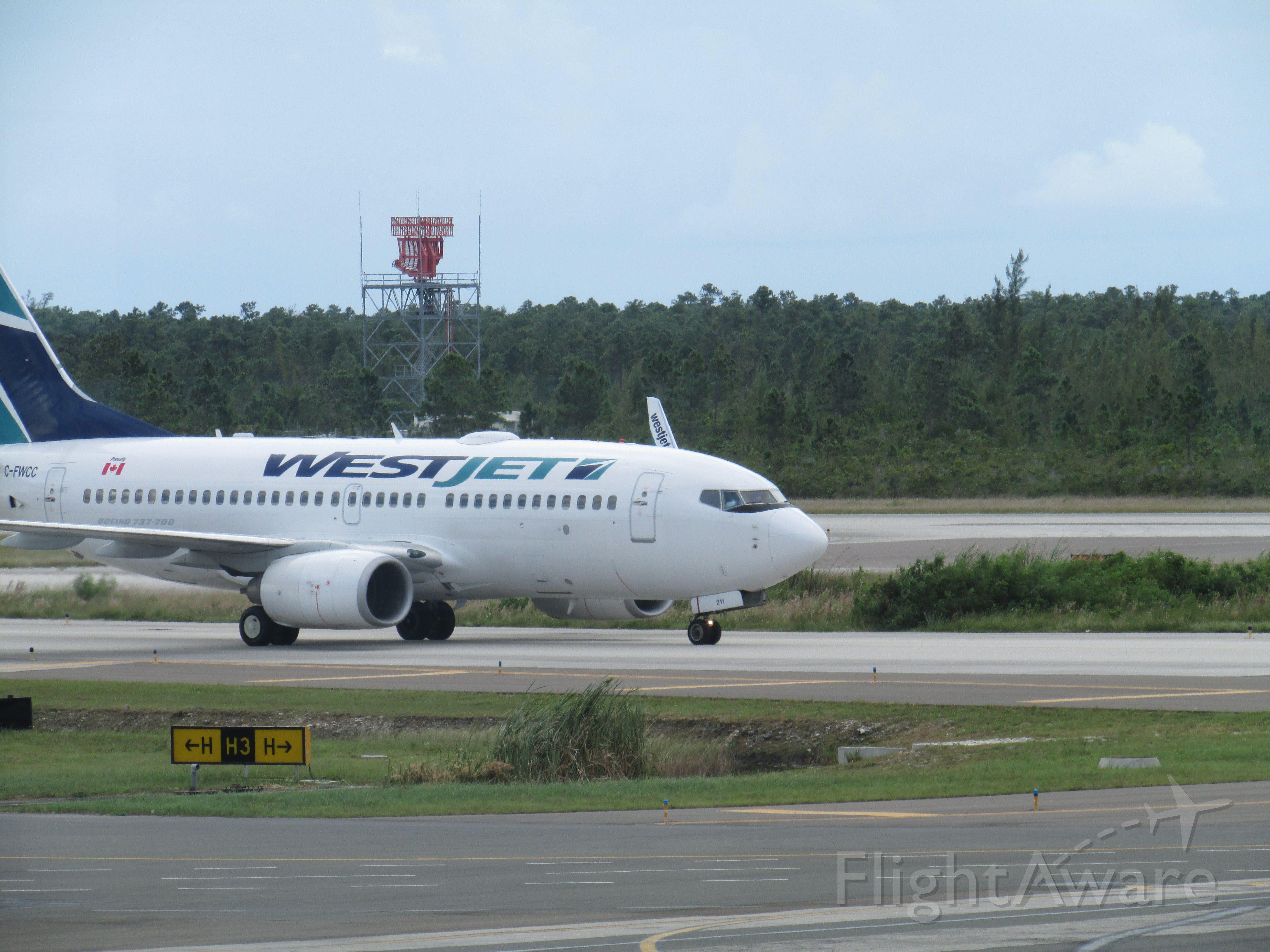 Boeing 737-800 (C-FWCC)