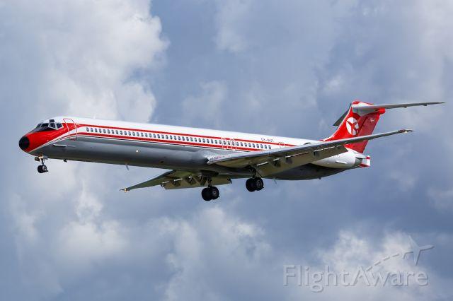 McDonnell Douglas MD-82 (OY-RUT)