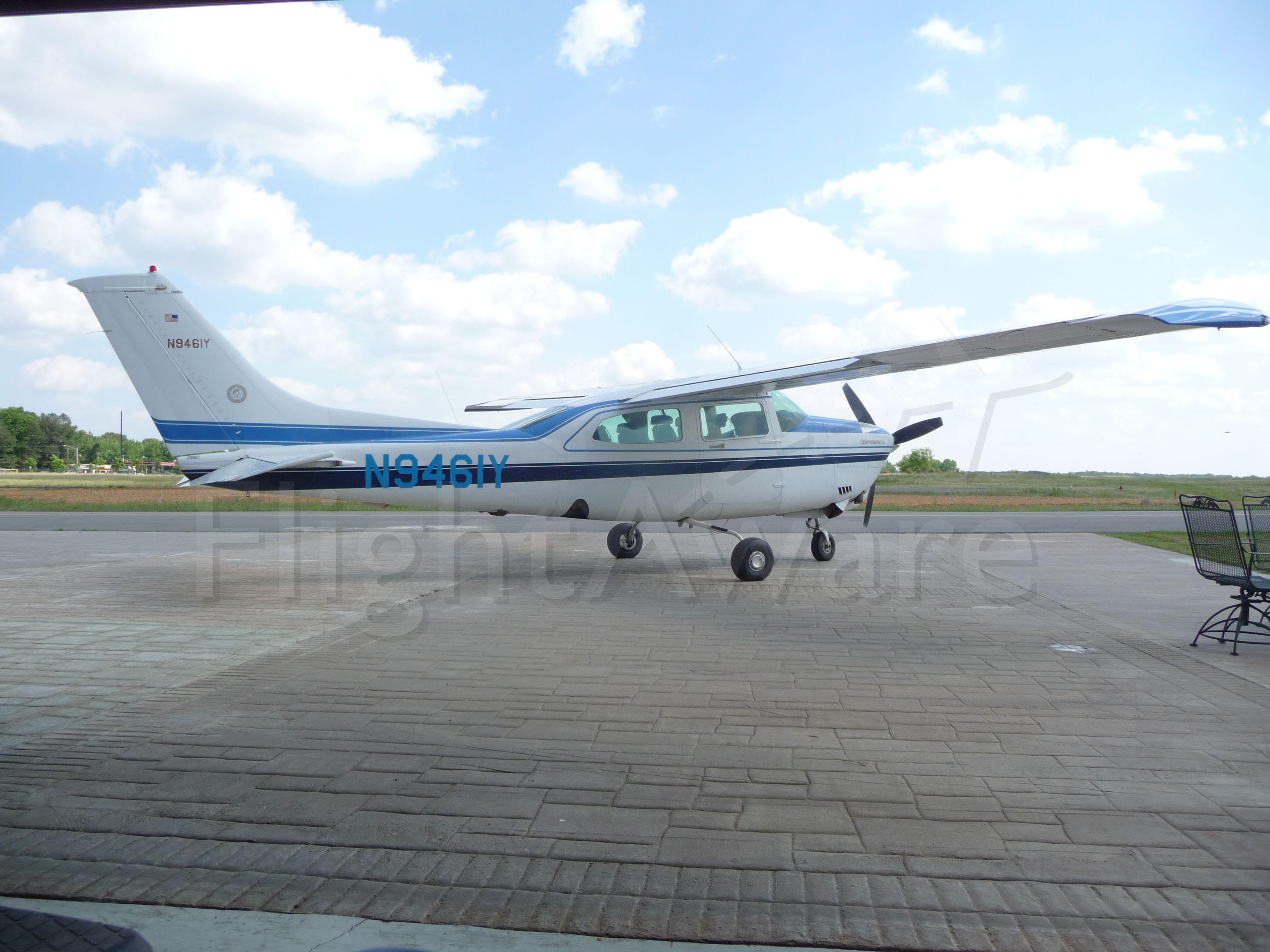 Cessna Centurion (N9461Y) - 1981 T210N