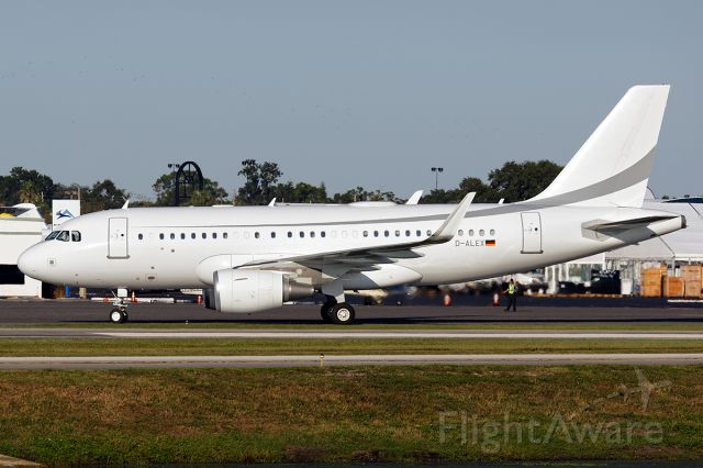 Airbus A319 (D-ALEX) - NBAA 2018