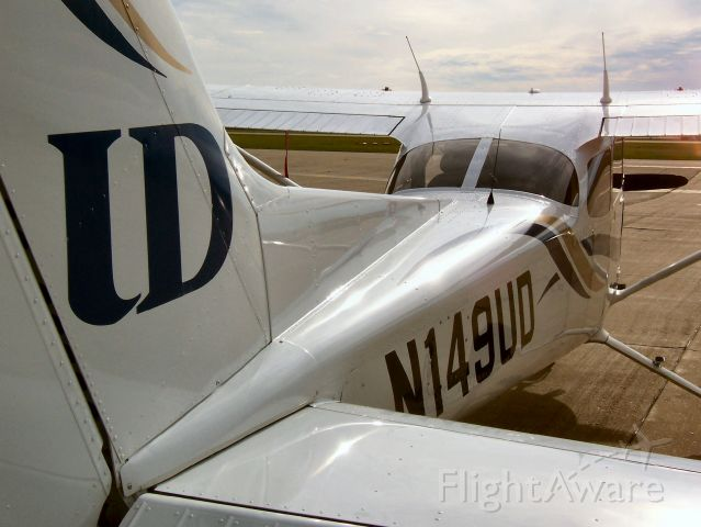 Cessna Skyhawk (N149UD) - University of Dubuque