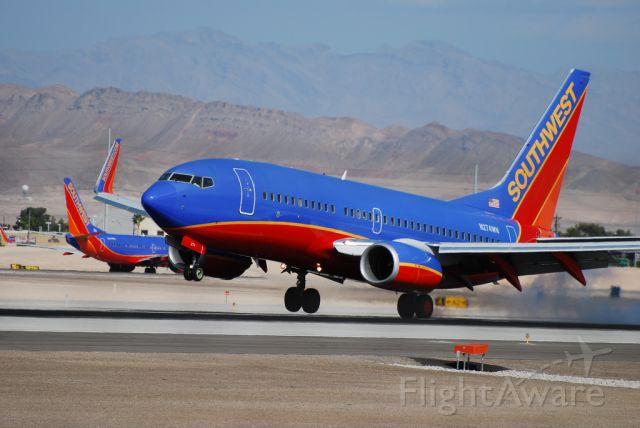 Boeing 737-700 (N274WN) - Southwest Airlines Boeing 737-7H4 N274WN (cn 32529/2244)  Las Vegas - McCarran International (LAS / KLAS) USA - Nevada, 10-12-2010 Photo: Tomás Del Coro