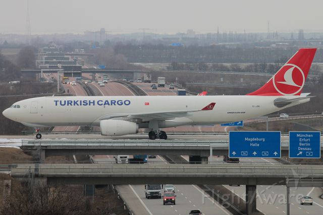 Airbus A330-300 (TC-JDR) - I registry in the parking garage