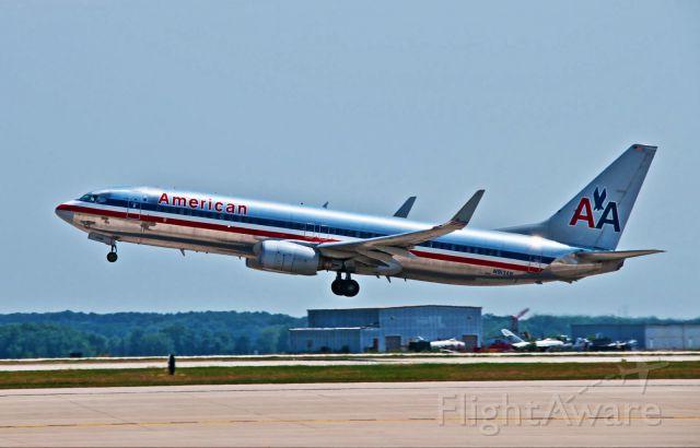Boeing 737-800 (N913AN)