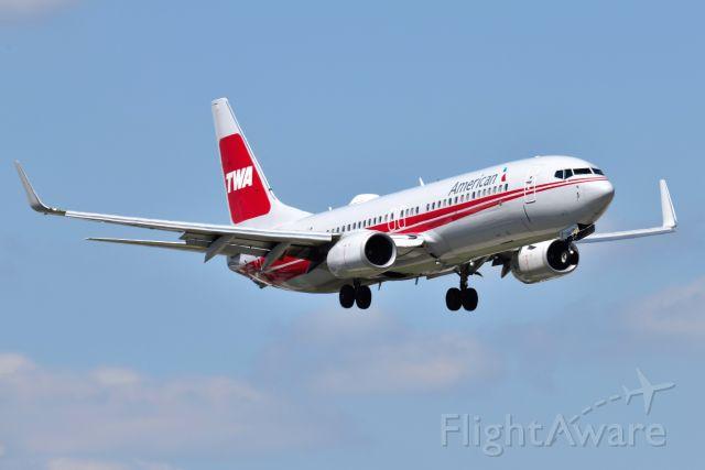 Boeing 737-800 (N915NN) - TWA Heritage Jet. 08-16-21. 10-C