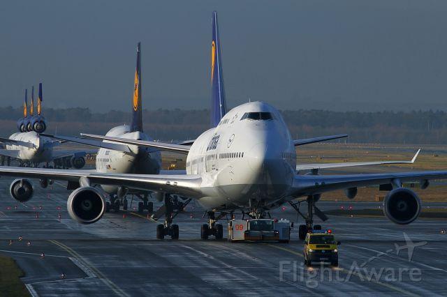 Boeing 747-400 (D-ABVX) - date: 26-Dec-2014