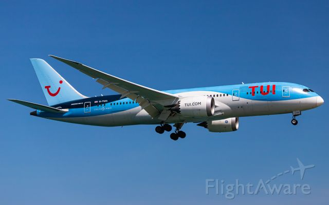Boeing 787-8 (G-TUIA)