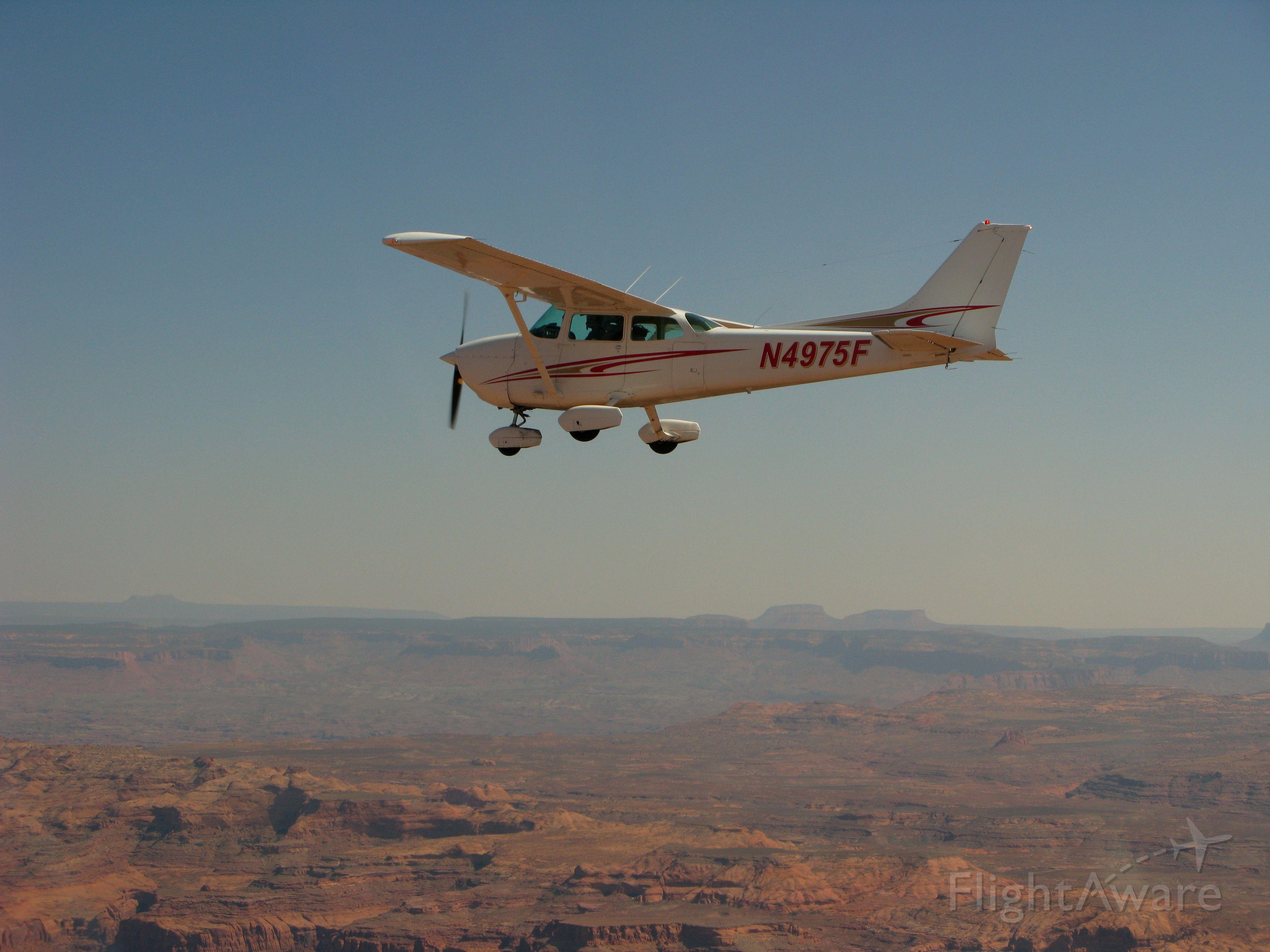 Cessna Skyhawk (N4975F) - Formation flight near Bryce Canyon