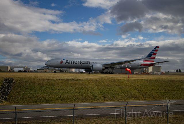 Boeing 777-200 (N726AN)