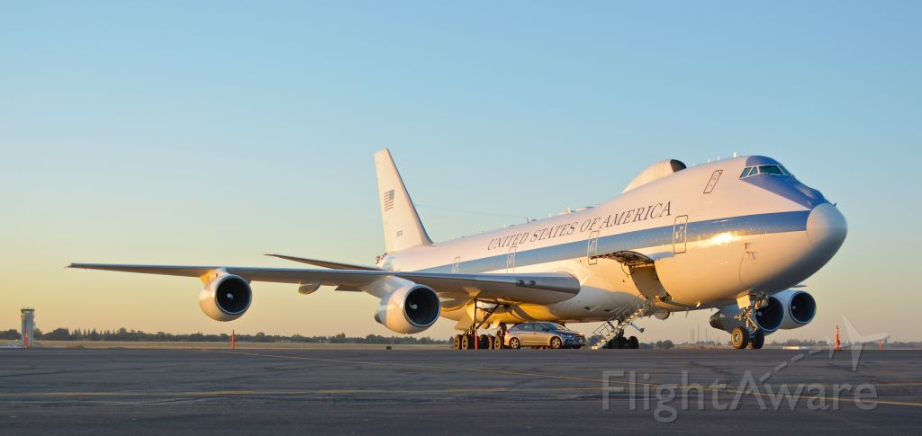 """73-1676 — - E-4B """"Doomsday Plane"""" on static display at the 2018 California Capital Airshow. A bit of a late upload I know but better late than never. I wanted to talk to the guy sitting in the Hyundai parked out in front but I couldn't quite work up the nerve to do so even after talking with airport officials."""