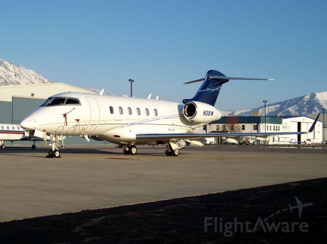 Bombardier Challenger 300 (N391W)
