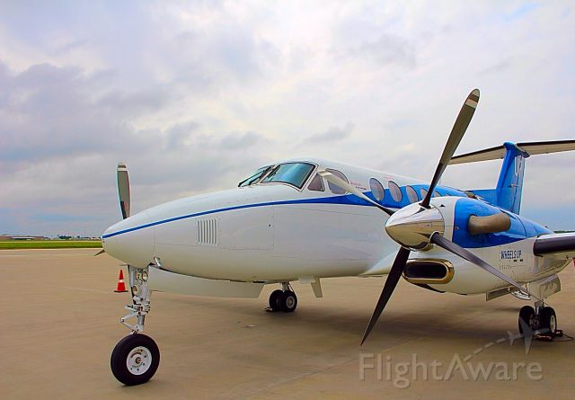Beechcraft Super King Air 350 (N805UP)