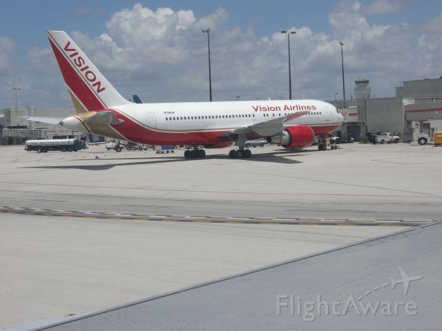 BOEING 767-200 (N766VA)