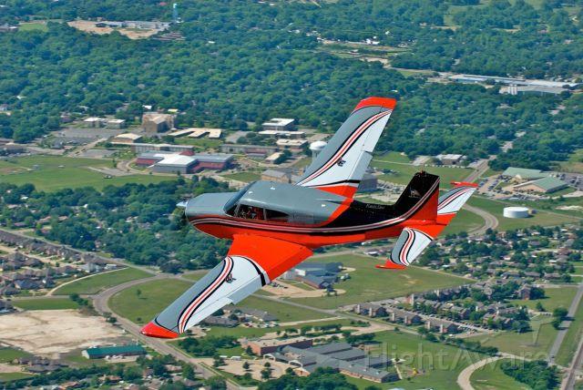 Piper PA-24 Comanche (N6272P)