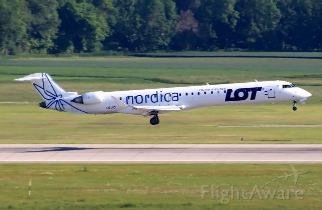 Canadair Regional Jet CRJ-900 (ES-ACI)