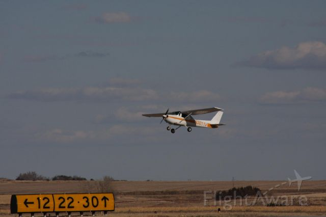 N3011V — - TAKING OFF FROM THE EAST AT MCCOOK NE  IT WAS A NICE DAY TOO TAKE SOME PICS I WAS TOLD THIS PLANE IS OWNED BY RED WILLIOW AVATION AND IS USED FOR TRAINING PILOTS