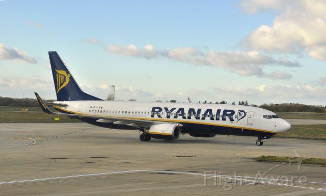 Boeing 737-800 (EI-DCN) - Ryanair Boeing 737-8AS(WL) EI-DCN in London Stansted