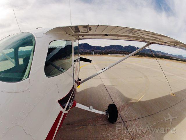 Cessna Skyhawk (N758PN)
