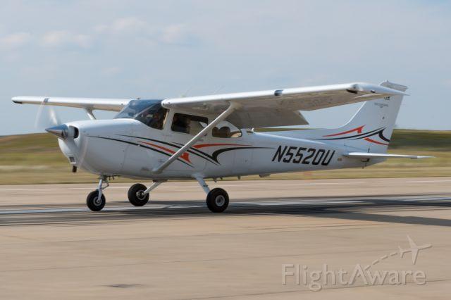 Cessna Skyhawk (N5520U)