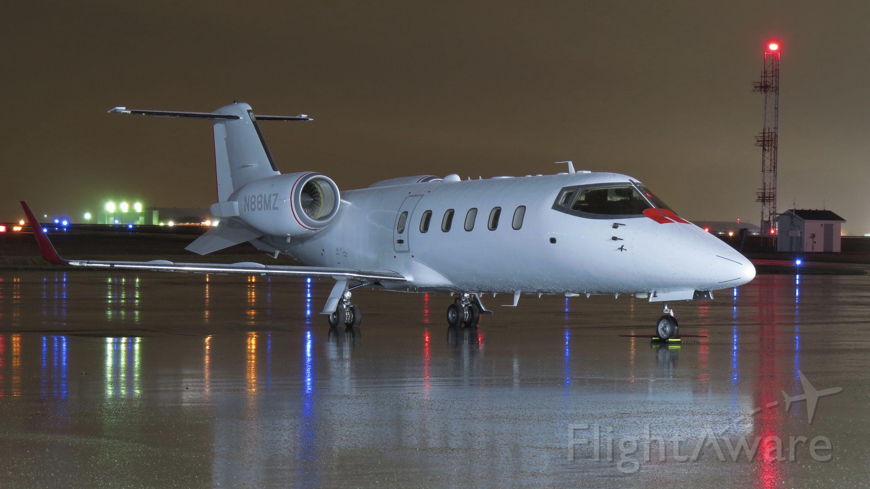 Learjet 60 (N88MZ)