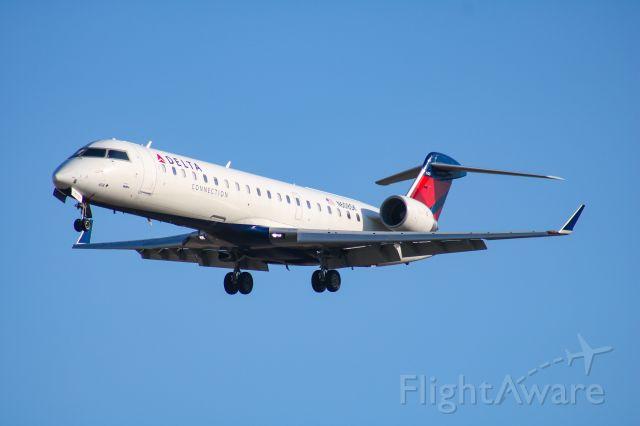 Canadair Regional Jet CRJ-700 (N608SK)
