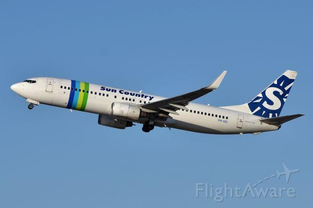 Boeing 737-800 (PH-HZI) - 18 March 2011