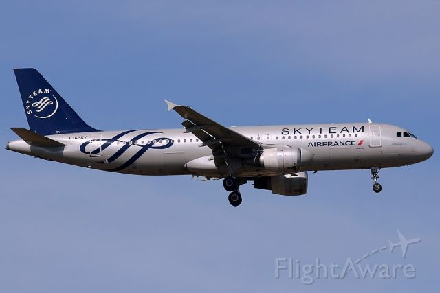 Airbus A320 (F-GFKY)