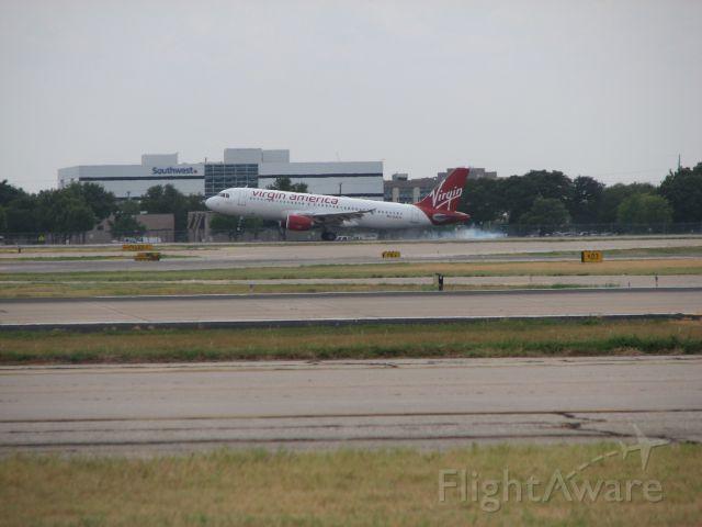 Airbus A319 (N833VA) - Virgin America flight 720 arriving from San Francisco,CA