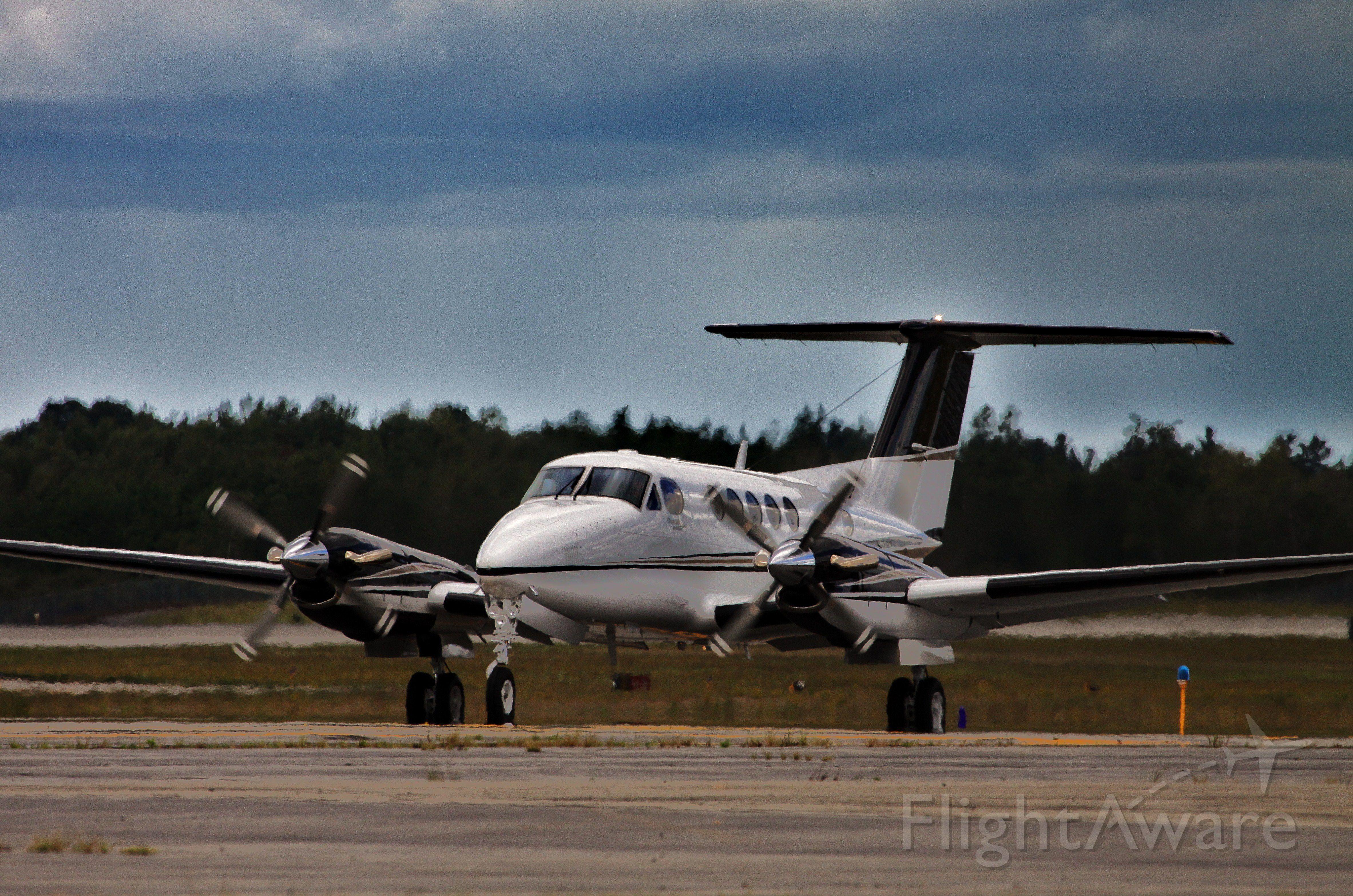 Beechcraft Super King Air 350 (N555AL)