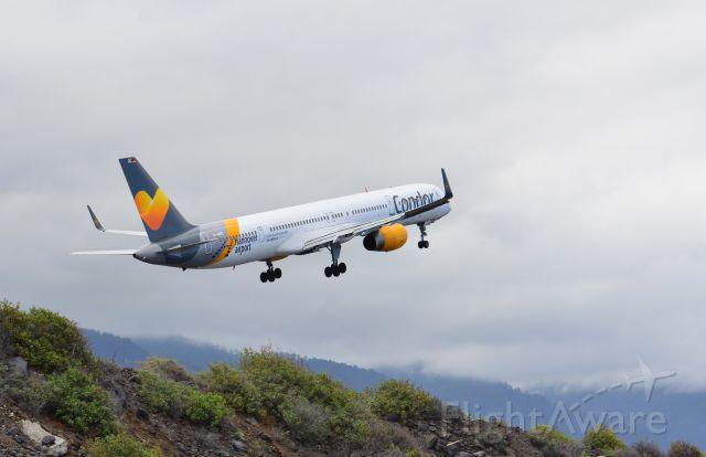 — — - Aeropuerto de La Palma (Villa de Mazo) Canarias.