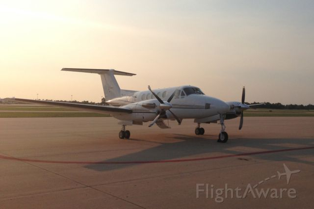 Beechcraft Super King Air 200 (N789HP) - Delivery ...