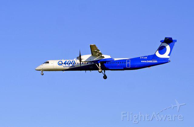 de Havilland Dash 8-100 (C-FJJA) - On final for 19R. This Q400 did numerous VFR takeoff/circle/land flights.