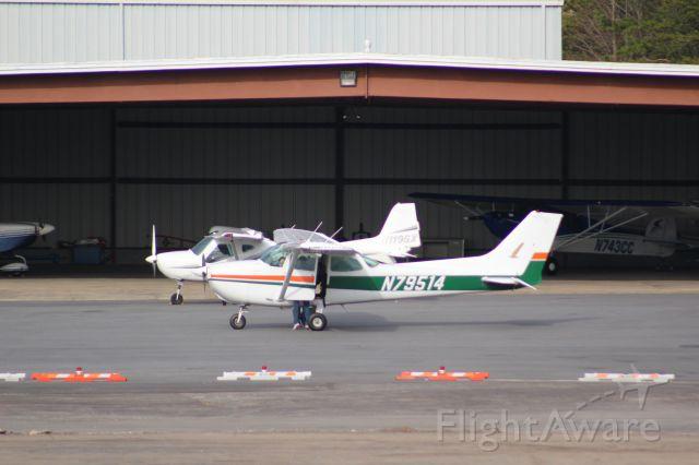 Cessna Skyhawk (N79514)