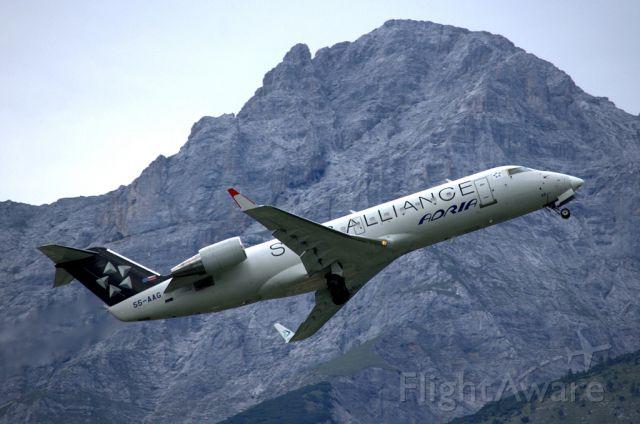 Canadair Regional Jet CRJ-200 (S5-AAG)