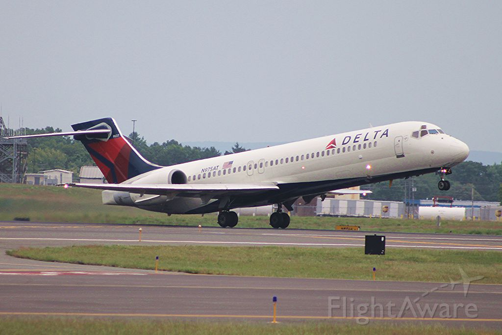 Boeing 717-200 (N975AT) - Rotating off of 24