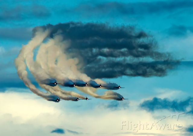 — — - RED Arrows and the magic sky on Sanicole Sunset Airshow 2015