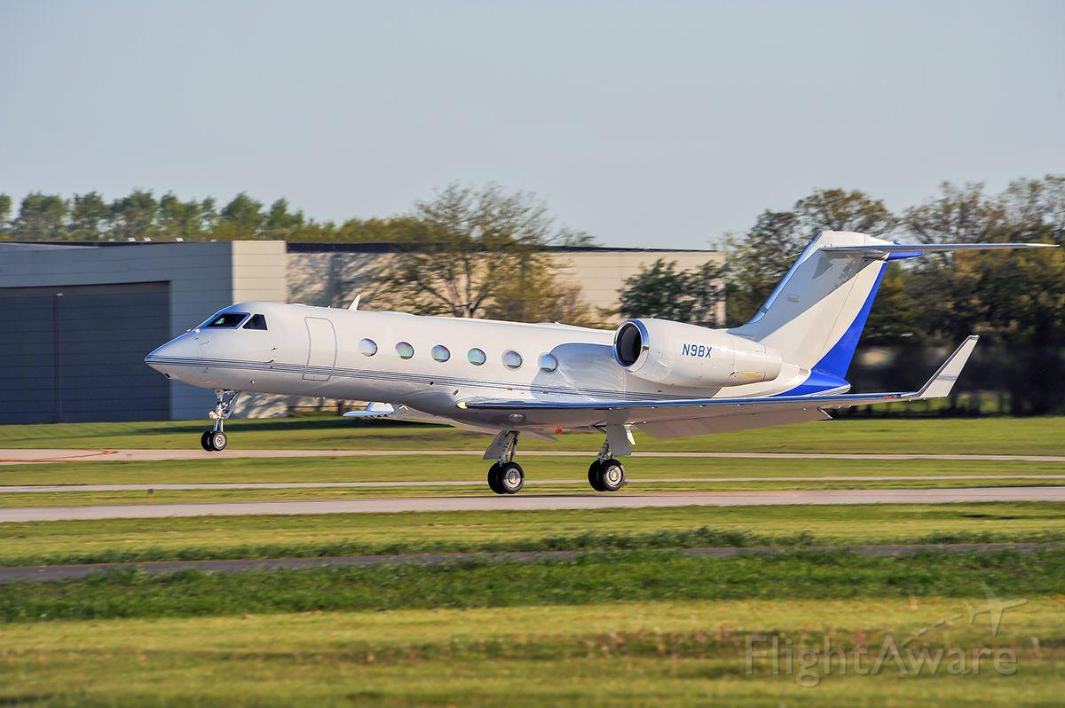 Gulfstream Aerospace Gulfstream IV (N9BX) - Departing rwy 23 @KUGN. Baxter world healthcare.