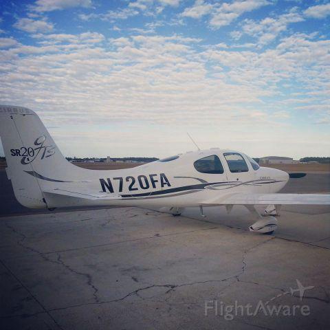 Cirrus SR-20 (N720FA)