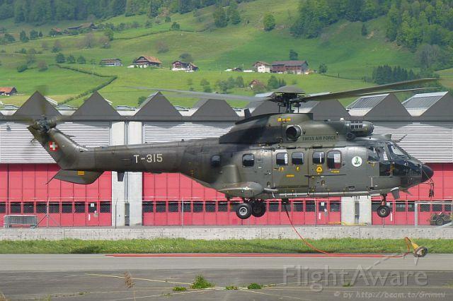 TUSAS Cougar (T315) - Super Puma auf seiner homebase