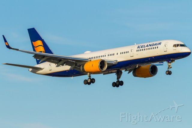 Boeing 757-200 (TF-ISK) - Boeing 757-200 (TF-ISK)