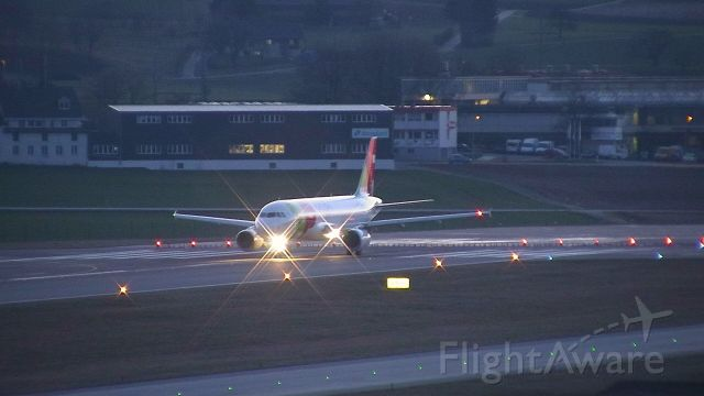 Airbus A320 (CS-TNN) - Getting ready to depart to Lisbon