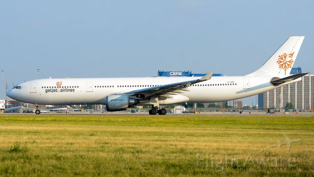 Airbus A330-300 (LY-LEO)