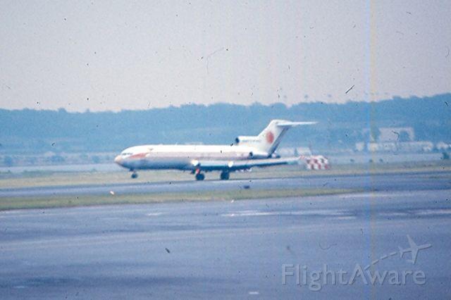 Boeing 727-100 — - National Airlines Boeing 727 landing on runway 01 at KDCA. Cira 1968-70