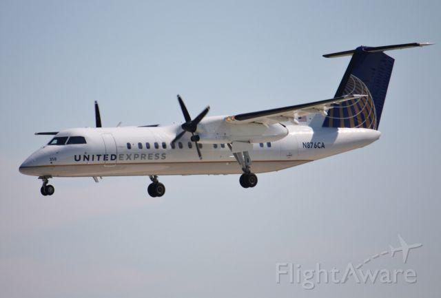 N876CA — - United Express new Dash 8-300