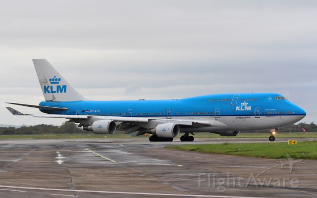 Boeing 747-400 (PH-BFU) - klm b747-4 ph-bfu dep shannon after diverting in earlier with a sick passenger while routing mexico to amsterdam 28/10/16.