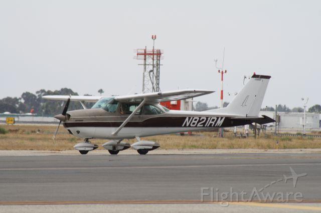 Cessna Skyhawk (N821RM) - Taxiing for takeoff at John Wayne Airport, July 18 2018.