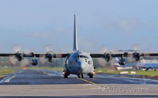 Lockheed C-130 Hercules (16-5313) - usn c-130t 165313 taxing for dep from shannon 15/10/16.