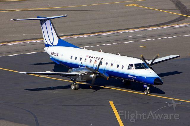 Embraer EMB-120 Brasilia (N586SW)